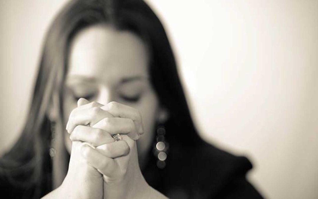 woman-praying-slider-2